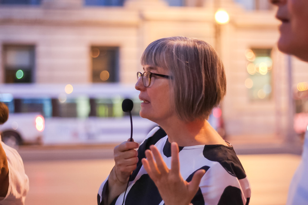 Winnipeg Architecture Foundation director, Susan Algie, wraps up a tour of the Exchange District. THE PROJECTOR/Rachel Carlson