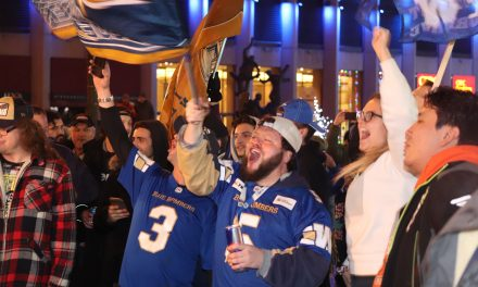 Winnipeggers flood Portage & Main to celebrate Grey Cup victory